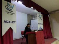 """Van Özgür-Der'de """"Kur'an'ın Müminleri İnşa Etme Yöntemi"""" Konuşuldu"""