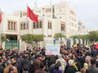 Tunus'ta Kimya Tesisi Protestosu