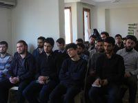 """Özgür-Der Üniversite Gençliği """"Kur'an ve Tarihselcilik"""" Kitabını Konuştu"""