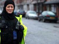 İskoçya'da Başörtüsü Polis Üniformasının Bir Parçası Oldu