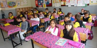 Antalya'da Okulllarda 40 Dakika Ders 40 Dakika Teneffüs Uygulanıyor