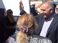 """CHP'li Milletvekilleri Üsküdar'da """"Evet"""" Çadırını Ziyaret Etti"""