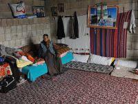 Yaşlı Kadın Dükkândan Bozma Odada Yaşam Mücadelesi Veriyor!