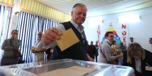 Fransa'da Cumhurbaşkanı Seçimi Oylarının Tamamı Sayıldı