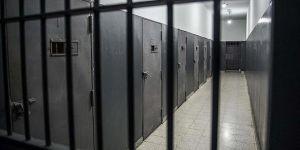 Maaşları Kesilen 50 Filistinli Tutuklu Açlık Grevine Başladı!