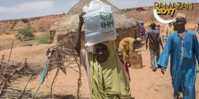 İHH Nijer'deki 940 Aileye Gıda Yardımı Ulaştırdı