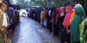 İHH'dan Kasırganın Vurduğu Bangladeş'e Acil Yardım