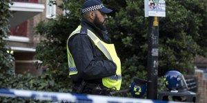 İngiltere'de Bıçaklı Saldırı: 5 Yaralı
