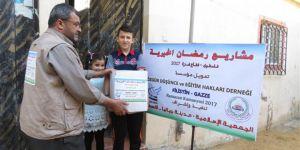Özgür-Der'in 2017 Ramazan Kumanyaları Gazze'de Dağıtıldı