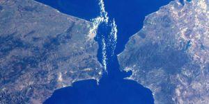 Dünyanın Stratejik Su Kanalı ve Boğazları