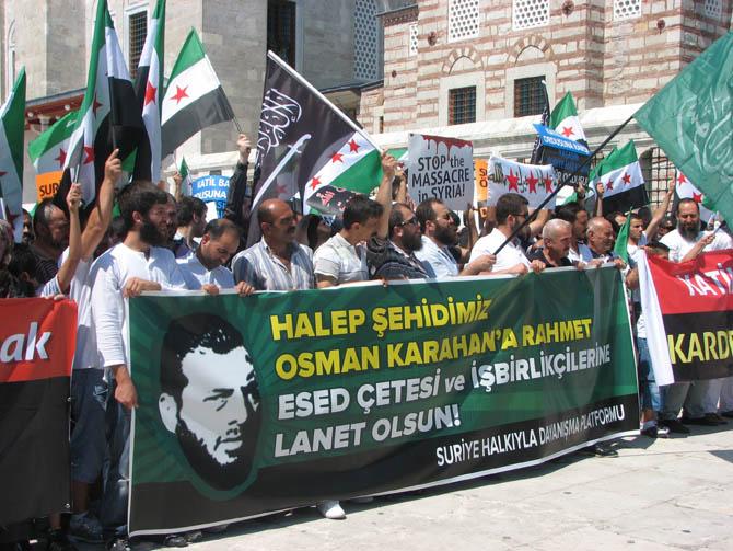 10_08_2012_fatih_camii_osman_karahan_cenaze_namazi-(1).20120810161646.jpg