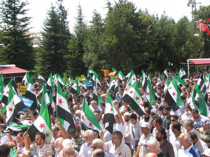 10_08_2012_fatih_camii_osman_karahan_cenaze_namazi-(14).jpg