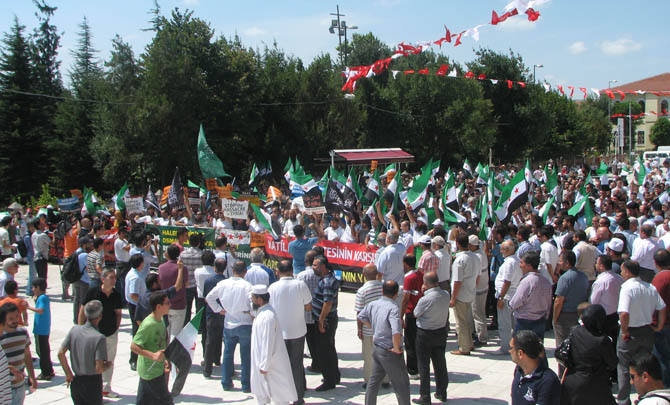 10_08_2012_fatih_camii_osman_karahan_cenaze_namazi-(17).jpg