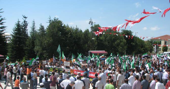 10_08_2012_fatih_camii_osman_karahan_cenaze_namazi-(2).jpg