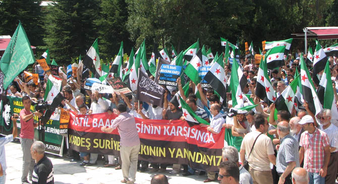 10_08_2012_fatih_camii_osman_karahan_cenaze_namazi-(6).jpg