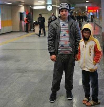 150223114957_syrian_refugees_4_istanbul_439x549_bbc_nocredit.jpg