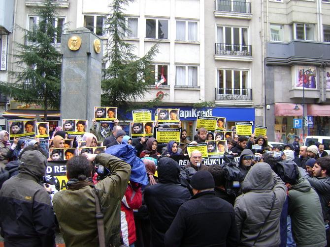 15032012_suriye_konsolosluk_ademozkose_hamitcoskun_serbest_birakilsin-(5).jpg