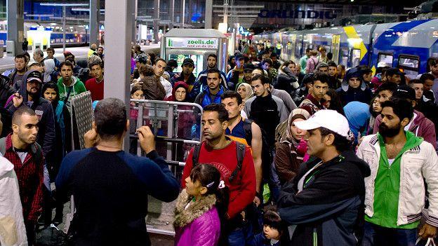 150913174546_sp_migrants_munich_624x351_ap_nocredit.jpg