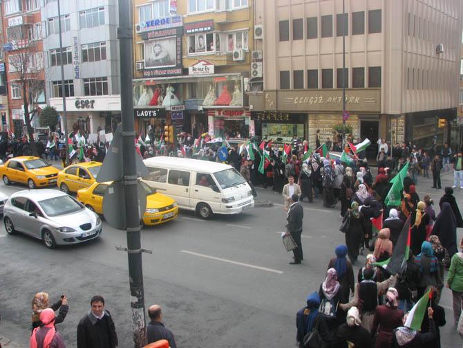 18112012_fatih_camii_sarachane_yuruyus_gazze_suriye_eylemi-(6).20121119002931.jpg