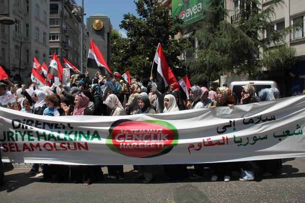 2011-07-15_suriye-protesto_tesvikiye03.jpg