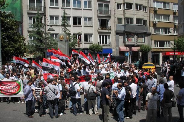 2011-07-15_suriye-protesto_tesvikiye06.jpg