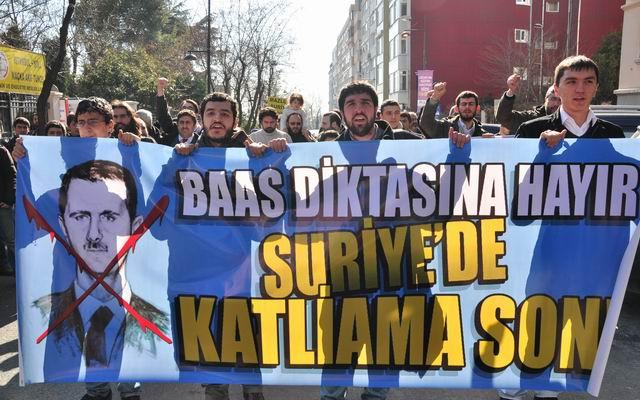 2012-02-05_suriye-humus-katliam-protesto_konsolosluk01.jpg