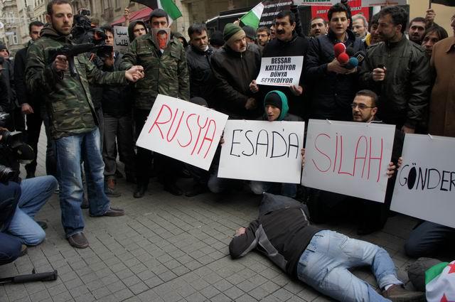 2012.01.20-taksim-rus-konsolosluk-suriye-03.jpg