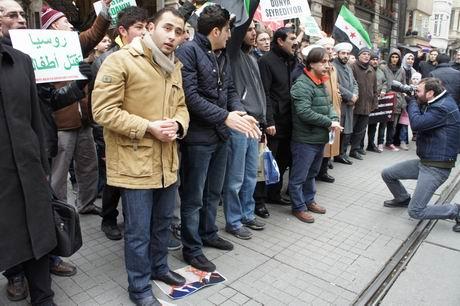2012.01.20-taksim-rus-konsolosluk-suriye-05.jpg