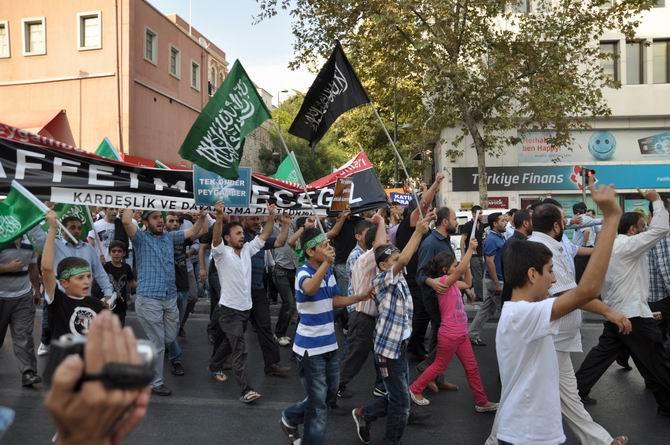 20120915_fatih_sarachane_peygambere_hakaret_filmi_protesto-(5).jpg