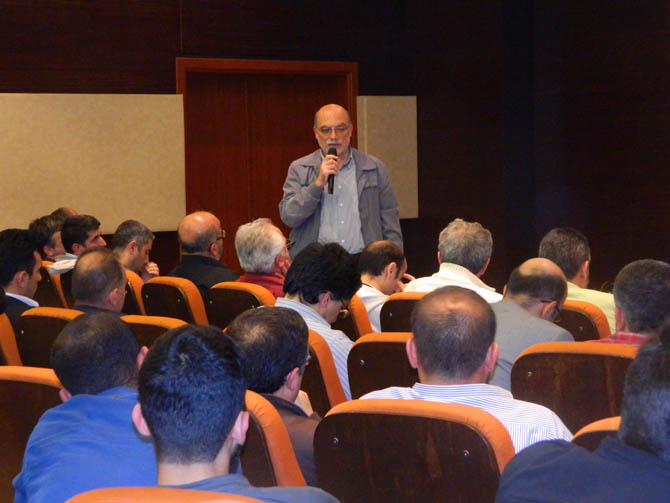 20130508_aliemiri_kultur_merkezi_ortadogu_forumu-(10).jpg