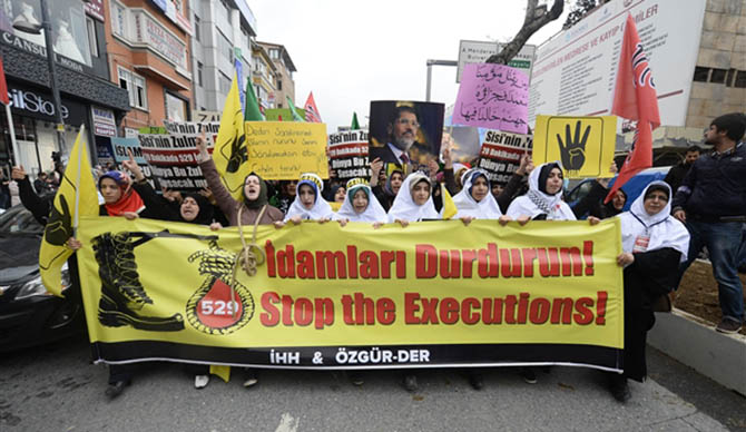 2014-04-11_fatih-sarachane-misir-529-idam-protesto-yuruyusu-egypt-turkey-54.jpg