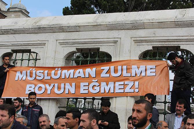 20141010_fatih_camii_giyabi_cenaze_namazi-(2).jpg