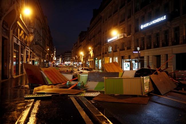 2018-12-02t080428z_272147737_rc1f41e97cb0_rtrmadp_3_france-protests-2.jpg