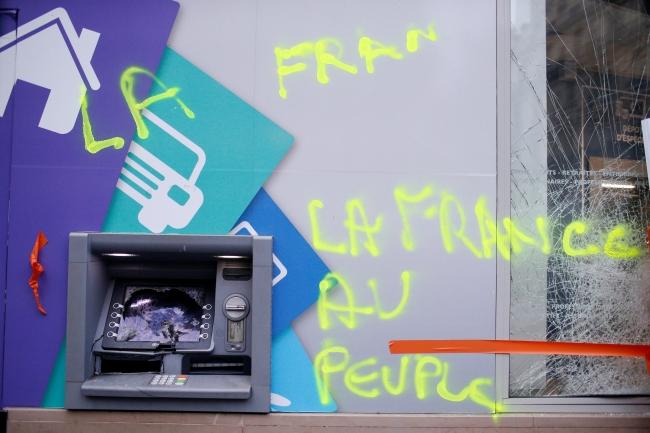2018-12-02t080428z_272147737_rc1f41e97cb0_rtrmadp_3_france-protests-7.jpg