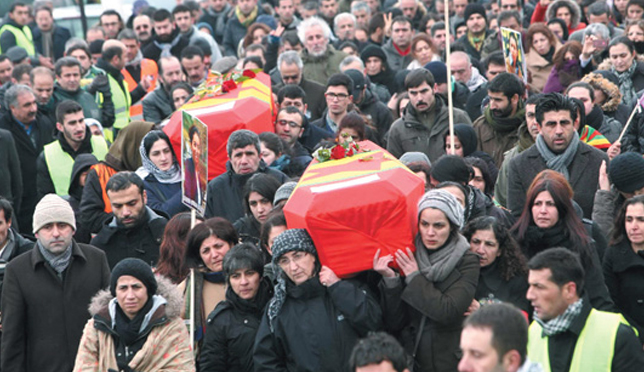 3-pkk-li-kadinin-cenazesi-diyarbakir-da_m.jpg