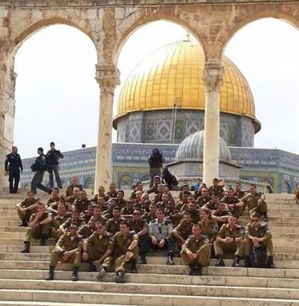 8-israil_askerleri-kudus-kubbetussahra.jpg