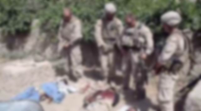 abd-askerleri-taliban-idrar-iseme.jpg
