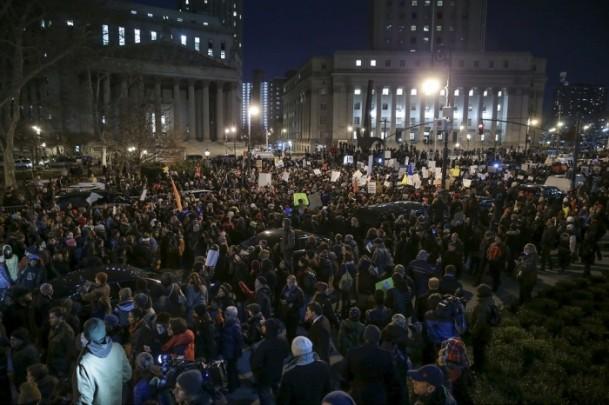 abd-polisini-protesto03.jpg