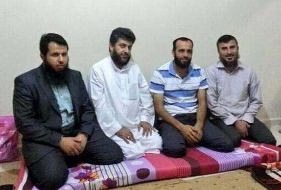 abdulkadir-salih-abdul-qader-saleh-ve-direnis-komutanlari-suriye-hamawi-ebu-ise-zahran-allus-ahrar-tevhid-suqur.jpg