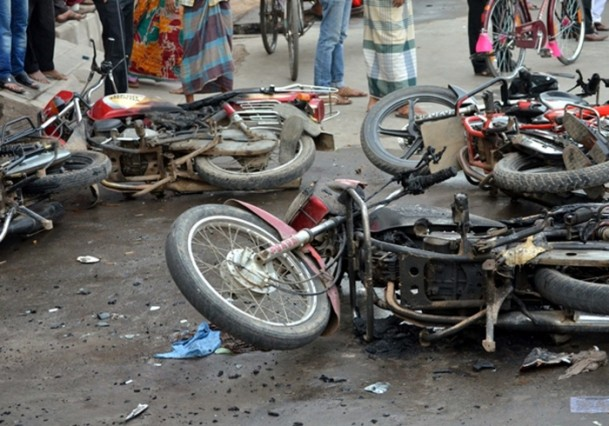 abdulkadir_molla-protesto-20131213-03.jpg
