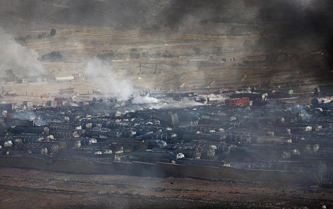 afganistan--kabil-tankerler-yakildi01.jpg