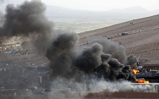 afganistan--kabil-tankerler-yakildi02.jpg