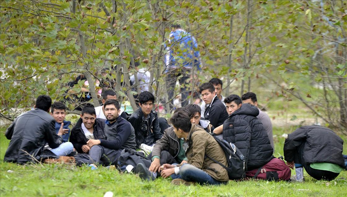 afganistanli_gocmenler_izmir_diye_bursaya_birakildilar_02-(1).jpg