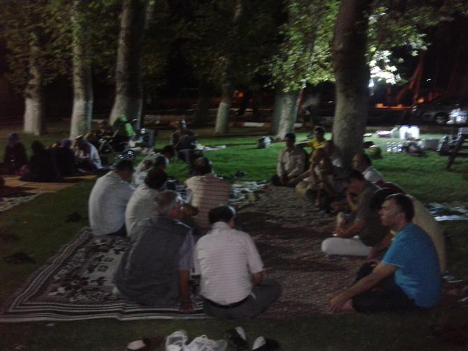 akhisar-iftar-20120814-02.jpg