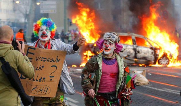 almanya-frankfurt-anti-kapitalizm01.jpg