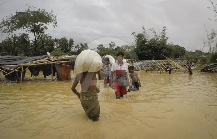 arakanlilari_bu_kez_de_sel_vurdu_banglades_2.jpg