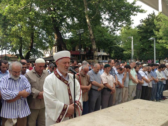 bursa_giyabi_cenaze_namazi-(5).jpg