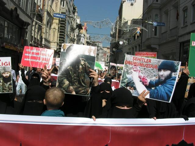 cecen-suikast-rusya-protesto_02.jpg