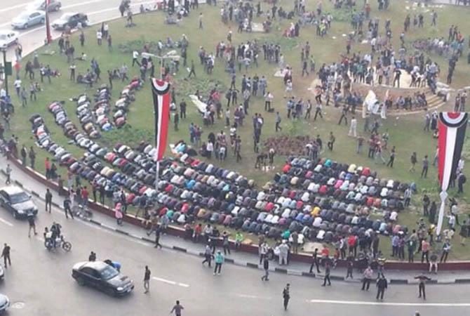 darbe-karsiti-ogrenciler-tahrir-de-misir01.jpg