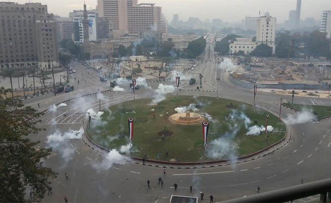 darbe-karsiti-ogrenciler-tahrir-de-misir04.jpg